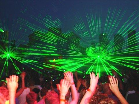 20090604-party1-300x225
