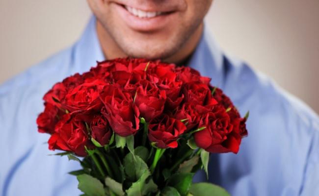 homem-e-flores