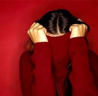 Mulher blusa vermelha nao quero ver
