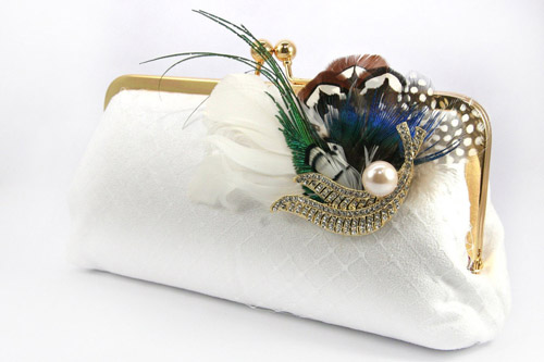 bridal-clutch-vintage-brooch-with-pearlsfull