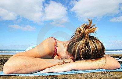 sleeping-beach-381651