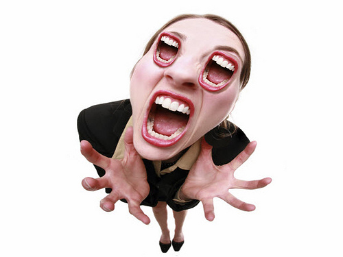04152009_screaming_woman3