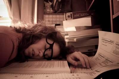 mulher exausta