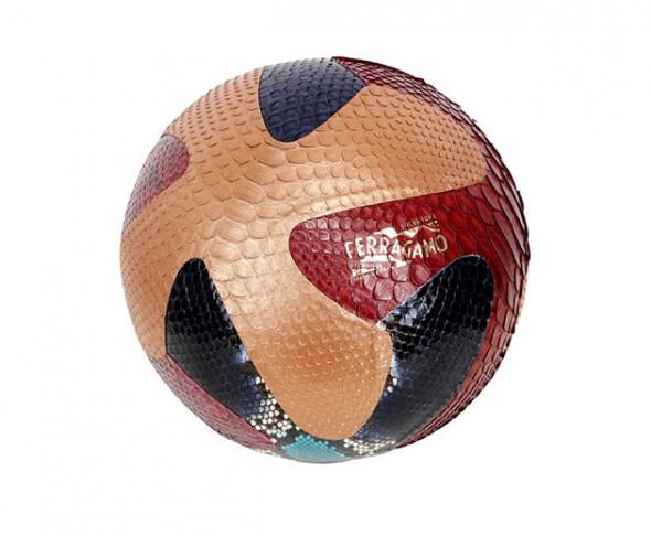 luisa-via-roma-bolas-ferragamo-590x486
