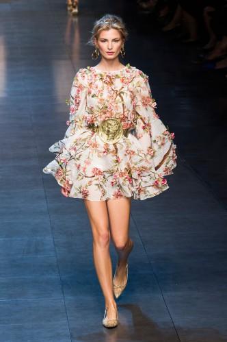 dolce-e-gabbana-milan-fashion-week-spring-2013-2-14