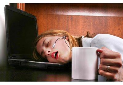 sleepy-woman-with-hypersomnia