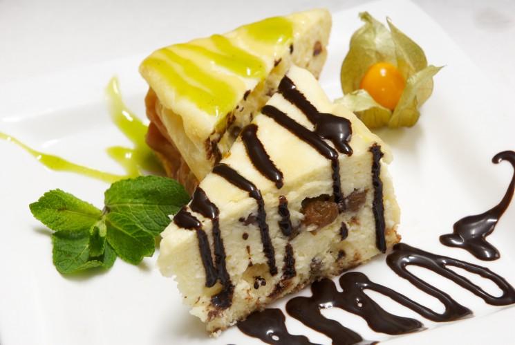 torta de ricotta e uvas passas