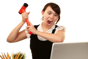Angry-woman-and-laptop
