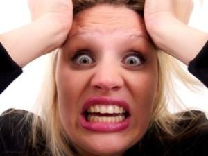 woman-feel-irritated