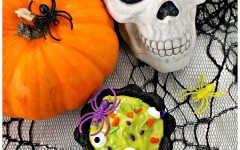 Fun-Halloween-cookie-cauldron-treats