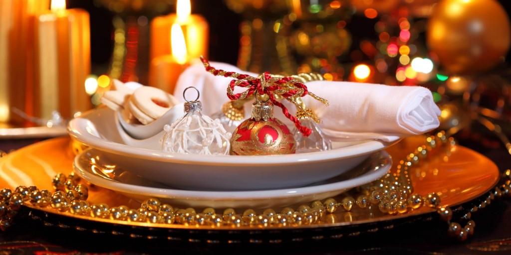 CHRISTMAS-DINNER-TABLE-facebook