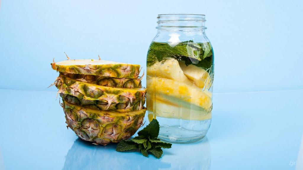 lemon-juice-fruit-infuser-bottle-1
