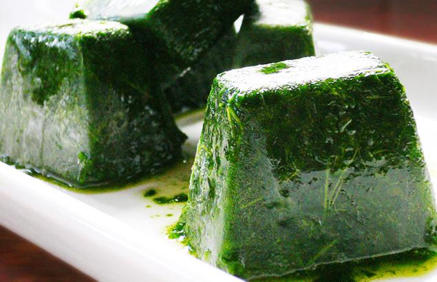 suco-verde-detox-cubos-gelo-couve-clorofila-como-fazer-receita-saude-fitness