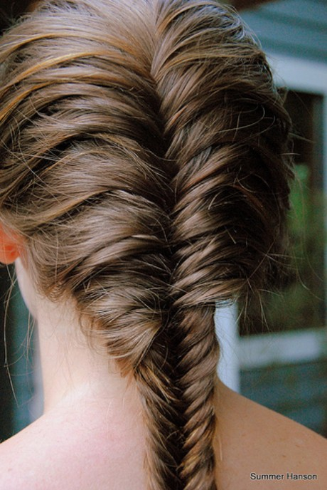 French-Fishtail-Braid-for-Long-Hair