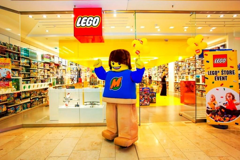 Lego-Store_Interior1