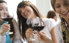 girls-drinking-wine-sm