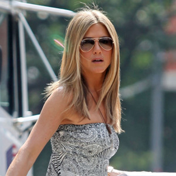 FAMOSA Jennifer-Aniston-Ray-Ban-Aviators