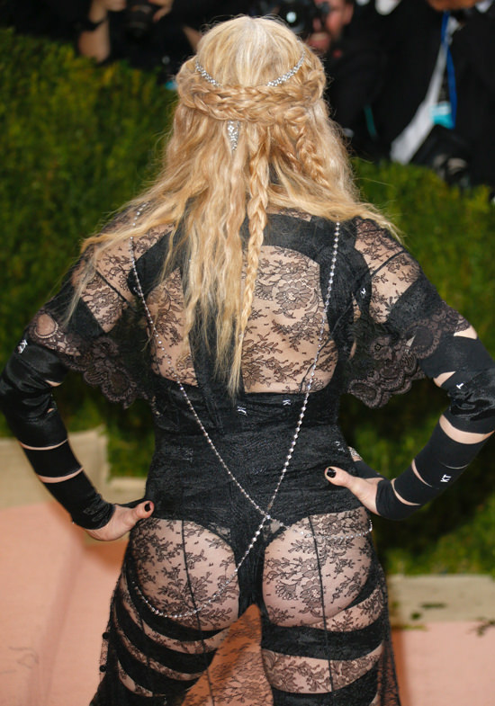 Madonna-Givenchy-Couture-2016-Met-Gala-Red-Carpet-Fashion-Givenchy-Couture-Tom-Lorenzo-Site-6