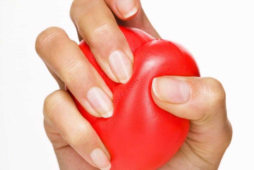 WOMAN-HEART-ATTACK-facebook