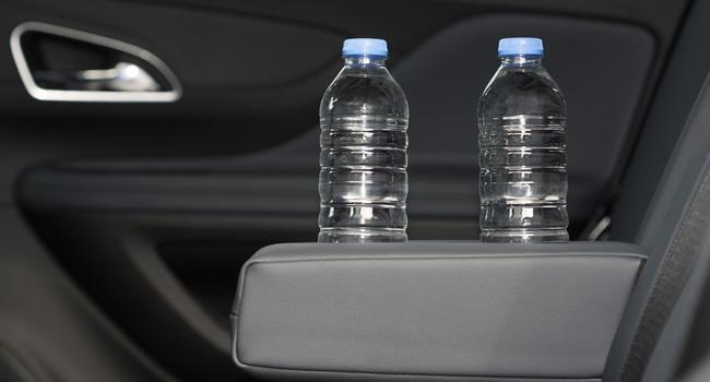 agua-carro-dentro