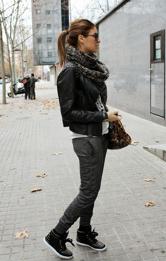 Jogging + biker jacket + cachecol