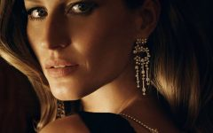 gisele-bundchen-chanel-earrings