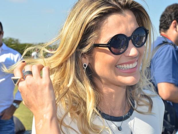 b15579187 O modelo de óculos de sol ideal para o seu formato de rosto? AMIGA ...