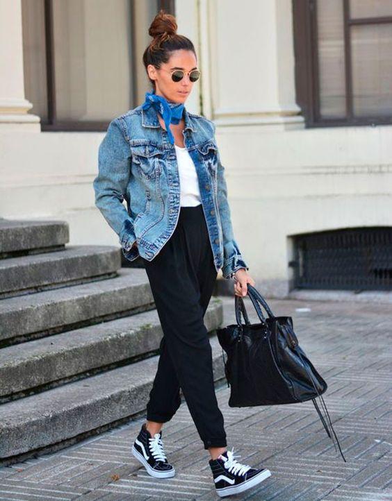 00dcadb2a0 Jaqueta jeans está mais top do que nunca! AMIGA MARI mostra como ...