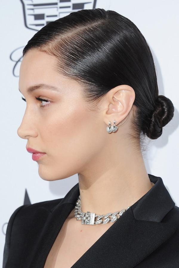 celeb-makeup-looks-bella-hadid-600x900