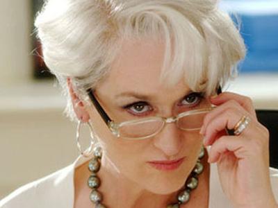 """e4431de39 A personagem de Meryl Streep em """"O Diabo Veste Prada"""" usava armação de  acetato transparente com haste preta. Chique!  tumblr_o6mamsrc7k1thn40eo1_1280"""
