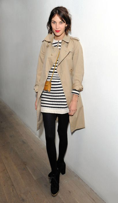 #6811378 Alexa Chung at the Matthew Williamson show during London Fashion Week on February 20, 2011 in London, England. Restriction applies: USA ONLY - NO NEW YORK NEWSPAPERS Fame Pictures, Inc - Santa Monica, CA, USA - +1 (310) 395-0500
