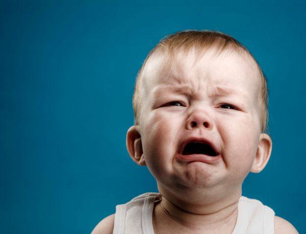 crying-baby-wallpaper