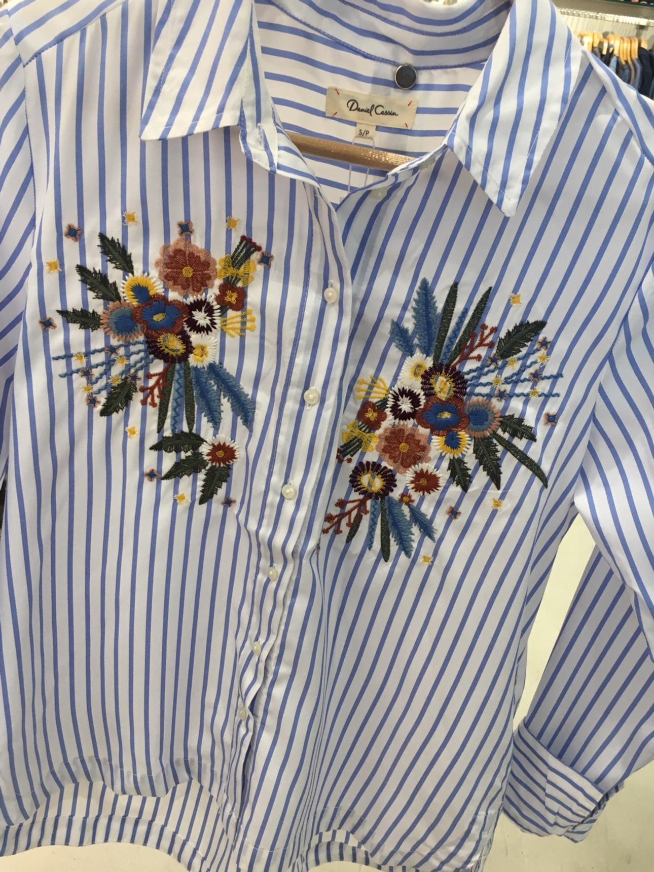 dc-40-camisa-listra-flor