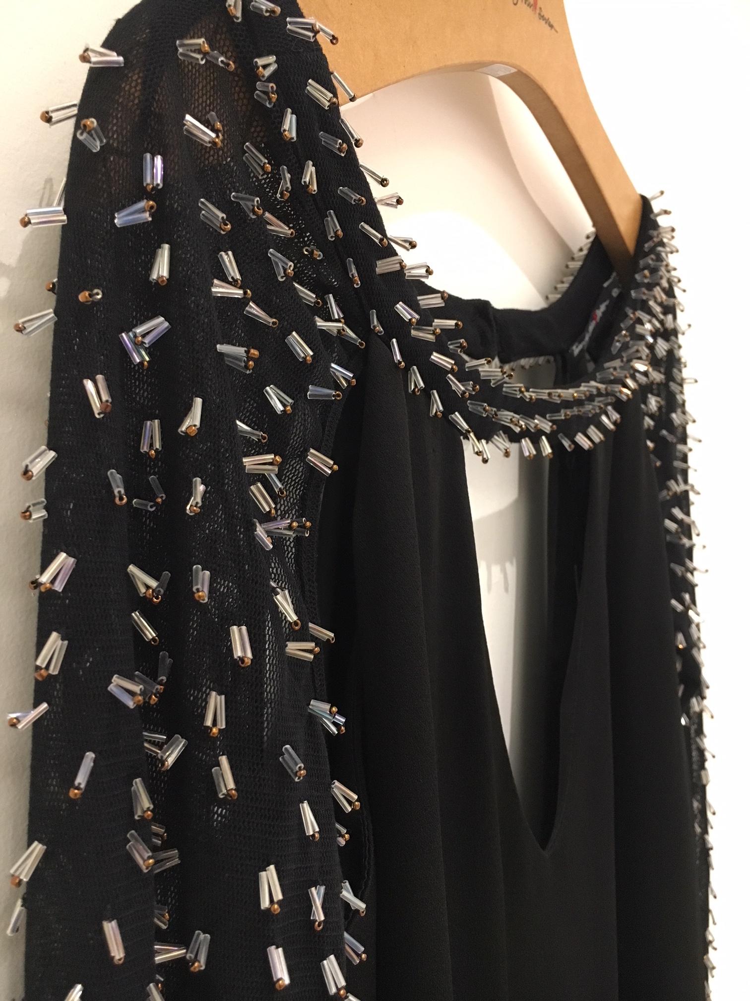 tfs-vestido-preto-detalhe