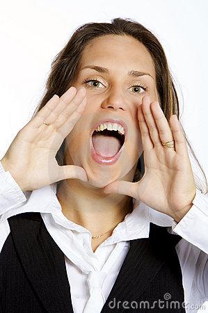 mulher-nova-gritando-feliz-thumb89432486