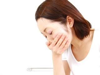 mulher-sentindo-enjoo-durante-a-gravidez