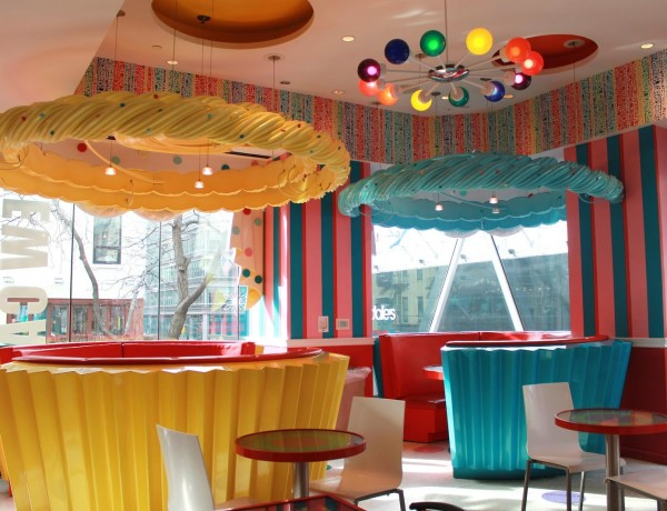 dylans candy bar cafe cupcake booth nyc