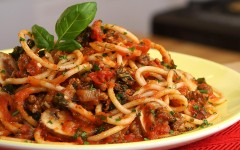 CleanEating_SpaghettiBolognese_072015-img_1280x720