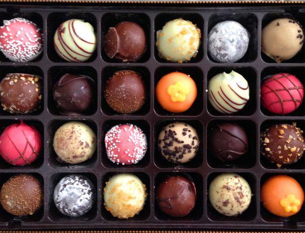 how-do-you-eat-chocolate-1