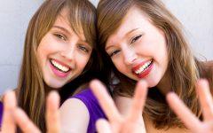 o-female-friends-facebook