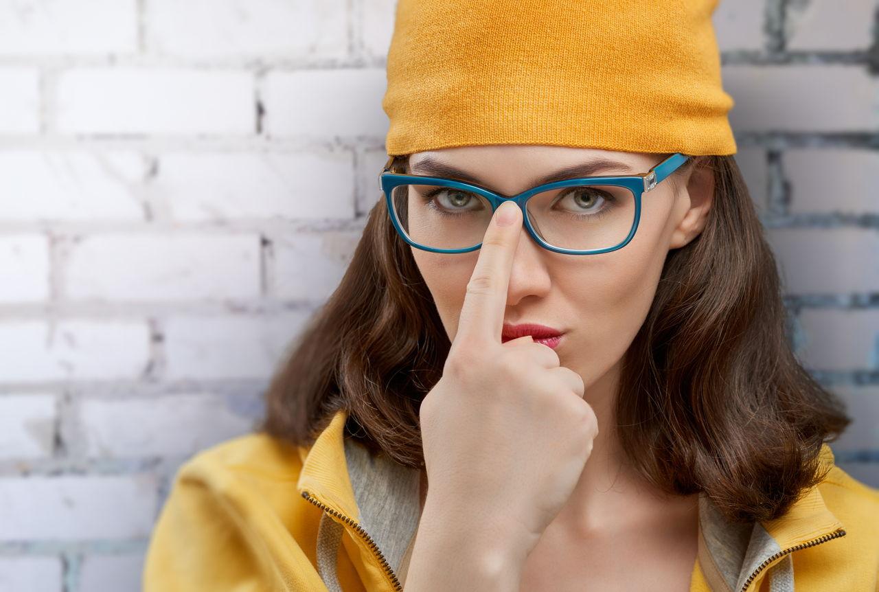 8d13227f3 Quais cores de óculos combinam com seu cabelo? AMIGA MARI tem a resposta! –  MK