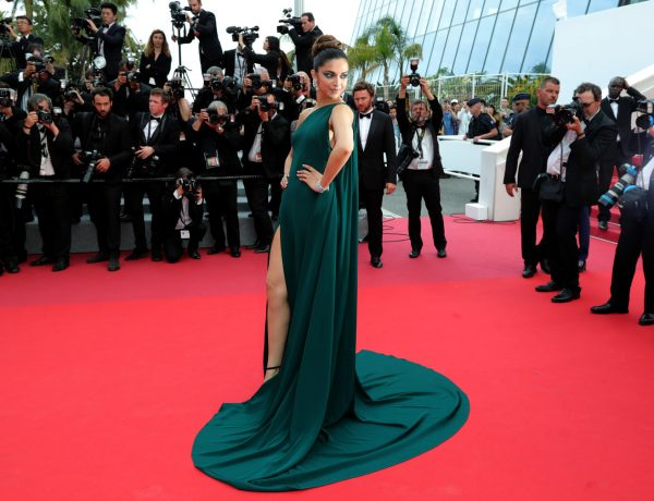 """CANNES, FRANCE - MAY 18:  Deepika Padukone attends the """"Loveless (Nelyubov)"""" screening during the 70th annual Cannes Film Festival at Palais des Festivals on May 18, 2017 in Cannes, France.  (Photo by Neilson Barnard/Getty Images)"""